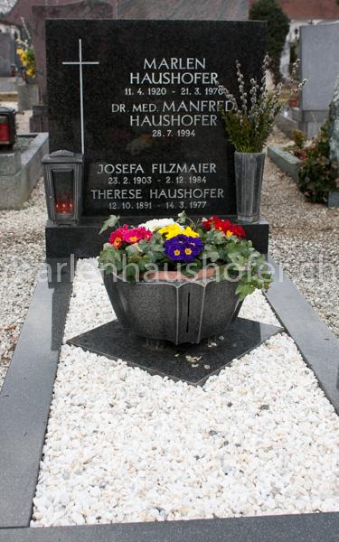 Das Grab Marlen Haushofers auf dem Taborfriedhof (Foto: © Andreas Bohren, Hüttwilen)